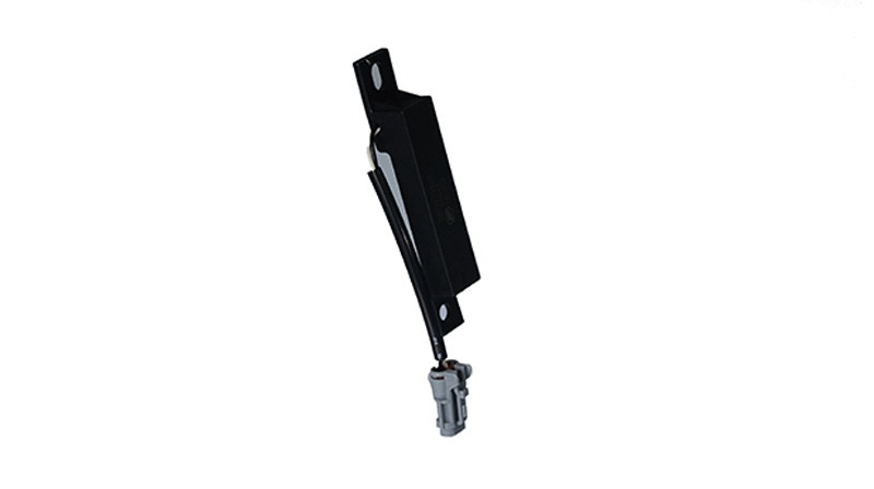 Low frequency magnetic field antenna for suitcase